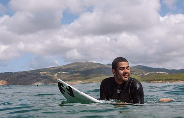 Слепой парень из Бразилии покорил большие волны