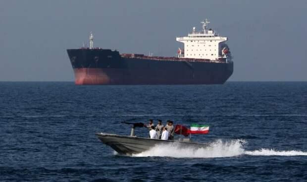 ВМФ России взял под защиту иранские корабли, идущие в Сирию