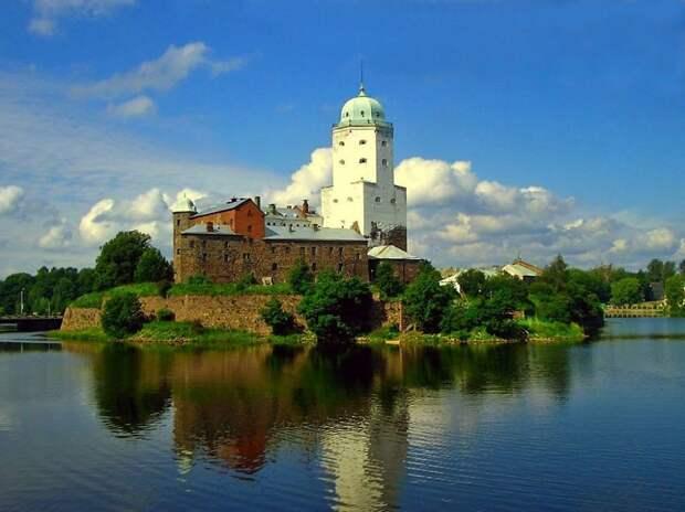 Выборгский замок, Россия.