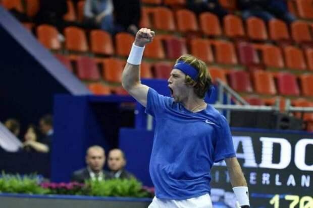 Рублев одержал 11-ю победу подряд, начав серию в Петербурге, он не проигрывает в Вене и Париже