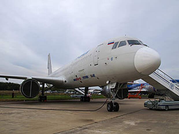 Правительство России прорабатывает возможность перевода авиалиний крымского направления на самолеты Ту‑204