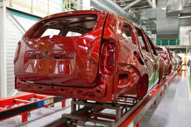 Выпуск легковых автомобилей в России может упасть в 2015 году на 20%
