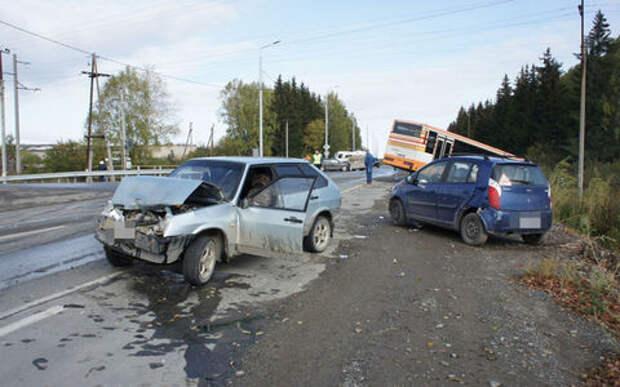 В массовом ДТП по вине водителя автобуса погиб человек