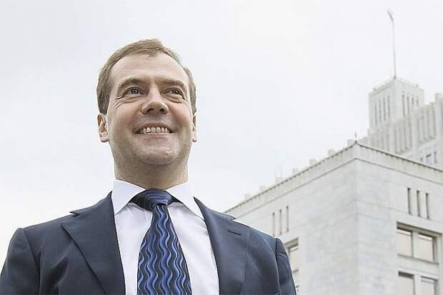Медведев в рейтинге правителей может как подняться выше, так и опуститься ниже своего нынешнего уровня