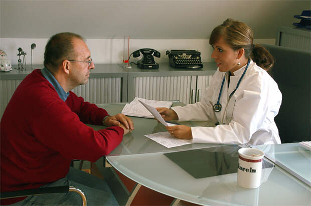 Придумали и лечим. Какие диагнозы «разводят» пациентов на деньги