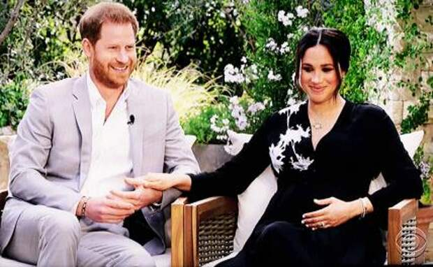 На фото: британский принц Гарри и его жена Меган Маркл во время интервью телеведущей Опре Уинфри