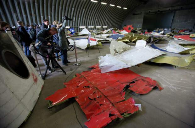 Пилоты сбитого над Украиной Боинга не были поражены тысячами осколков «Бука»