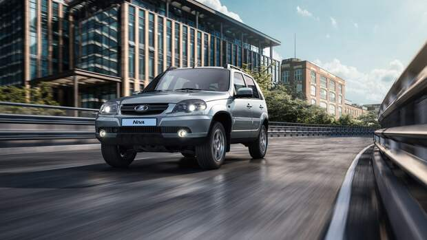 Россия за год экспортировала более 80 тысяч отечественных автомобилей