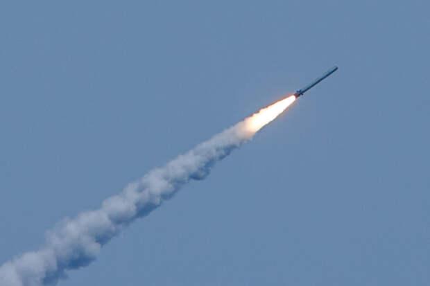 Попадание китайской сверхзвуковой ракеты в корабль показали на видео