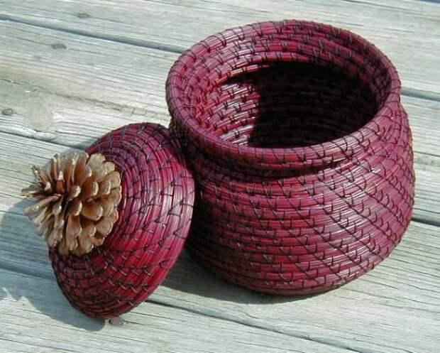 Корзины и вазы из сосновых иголок