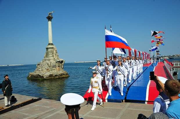 Парад на день ВМФ в Крыму. Источник изображения: