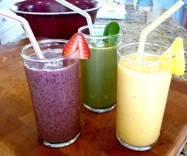 10 вкусных и освежающих смузи, в которых нет и 200 калорий