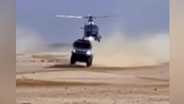 «КАМАЗ» Шибалова на «Дакаре» задел вертолет в воздухе во время гонки