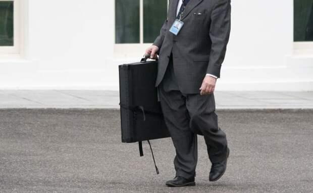 Зеркальный ответ: Россия высылает 10 американских дипломатов