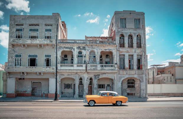 Почему окна кубинских домов без стекол?