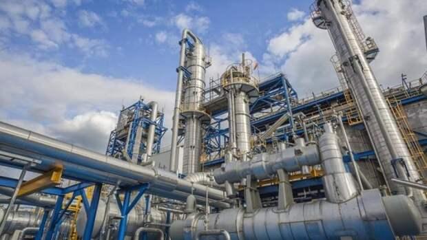 Почти на5% увеличил переработку нефти Казахстан