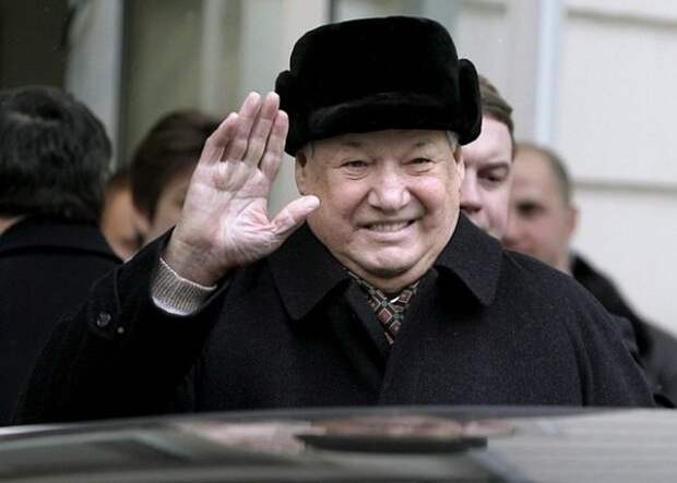 Борис Ельцин после отставки