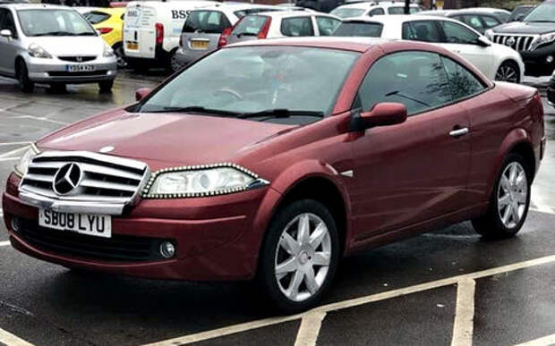 Хитрый продавец пытается выдать подержанный Renault за Mercedes-Benz