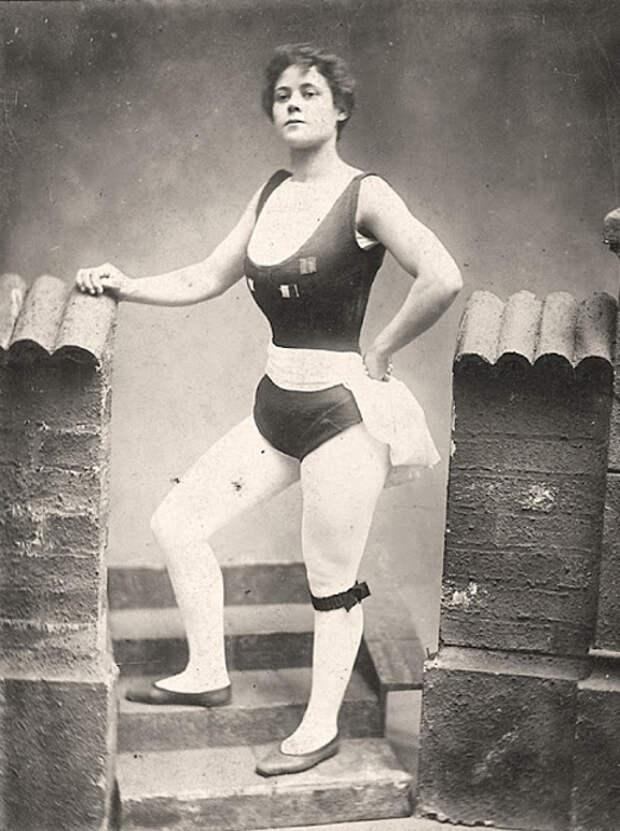 Kate Williams, выступавшая под псевдонимом Vulcana, 1900 г.