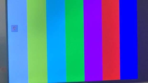 Просыпайся, Украина! Твой президент решил поиграть в Пиночета: он закрыл три телеканала, и на этом не собирается останавливаться