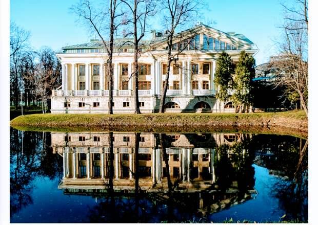 Каменноостровский дворец , построен на месте деревянного дворца Бестужева