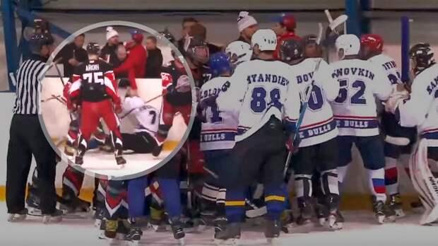 Огненная драка в российском хоккее! Тренер накинулся на игрока: видео