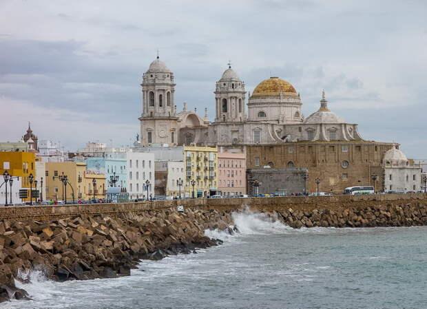 Кадис. Вид на кафедральный собор в наши дни - Англичане на краю света | Warspot.ru