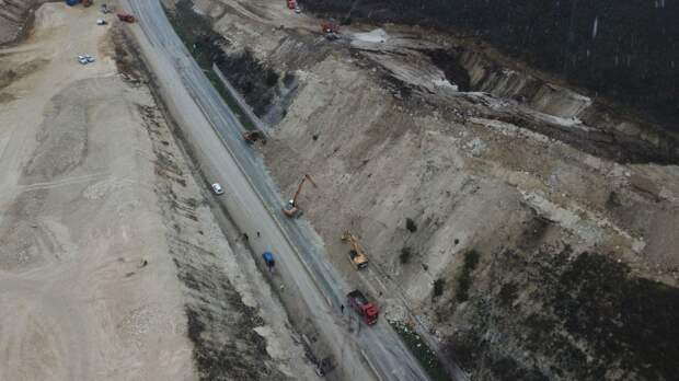 На расчистку Президентской дороги под Севастополем потребуются сутки