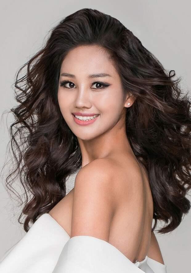 Мисс Вселенная 2018: Пэк Чжи Хён (Корея)