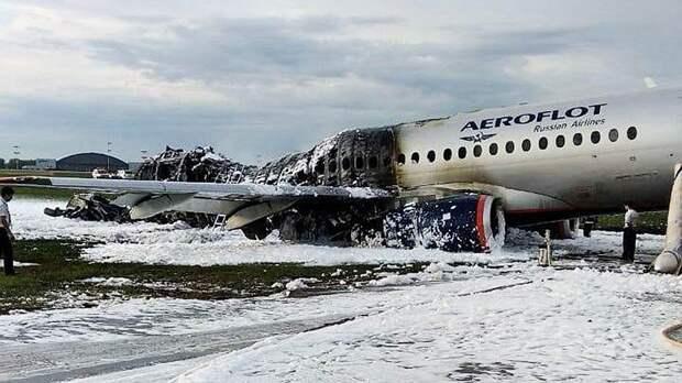 По версии экспертов, роковыми для пассажиров могли стать действия пилотов SSJ при его посадке