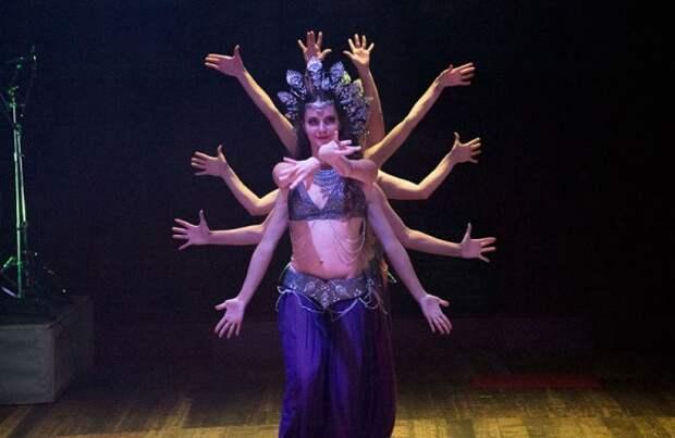 В Севастополе божественная женская энергия завладела залом (ФОТО)