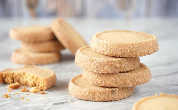 «Бриллиантовое» печенье из песочного теста: повторяем знаменитый рецепт французских бистро