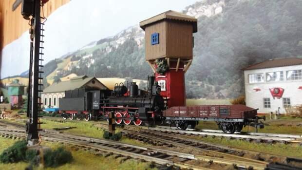 Машинист из депо в Амбулаторном проезде создает модели паровозов