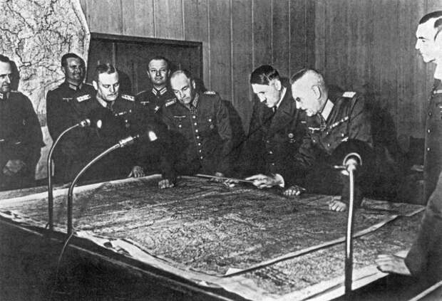Гитлер и Восток