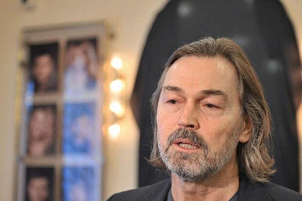 Никас Сафронов раскритиковал жалующихся набезденежье артистов