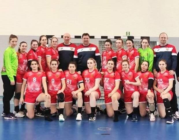 Астраханские гандболистки сыграли за молодёжную сборную России в Польше