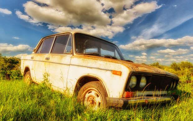 Старым машинам запретят ездить. А сколько лет вашей?