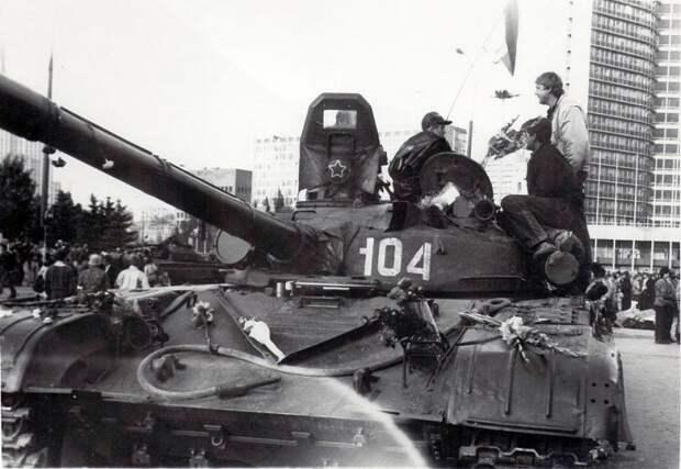 Кто в СССР поддерживал ГКЧП