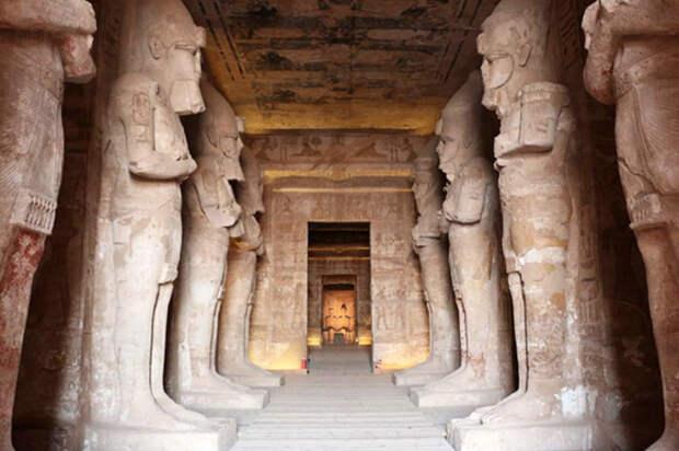 Храмовый комплекс Абу-Симбел, на спасение которого понадобилось 42 миллиона долларов