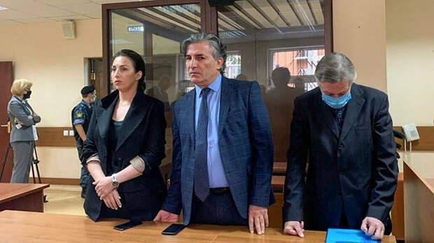Адвокат Пашаев рассказал, кто мог подставить Ефремова
