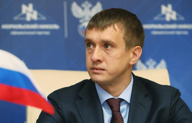 Реформы в российском футболе начинаются. Одним из реорганизаторов станет Алаев – 13 клубов уже его поддержали