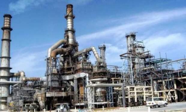СМИ: Индия готовит свои НПЗ к«обнулению» импорта нефти изИрана