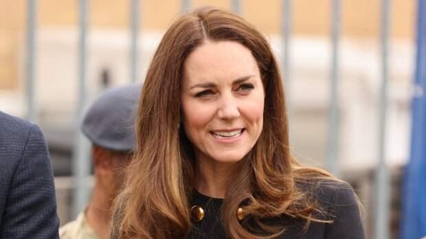 Дети Кейт Миддлтон прошлись по магазинам вместе с ней после похорон принца Филиппа