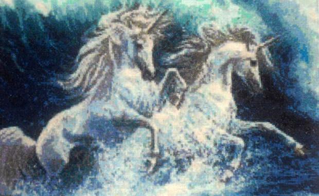 Голубыми единорогами поражает мастерица из Каргатского района