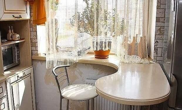 Стол подоконник - отличная идея!