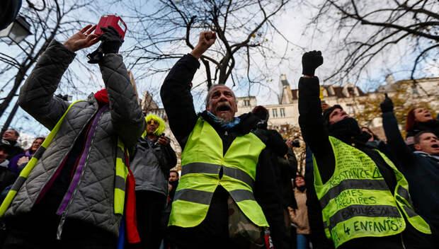 Россия беременна «желтыми жилетами» – убеждена опальная француженка