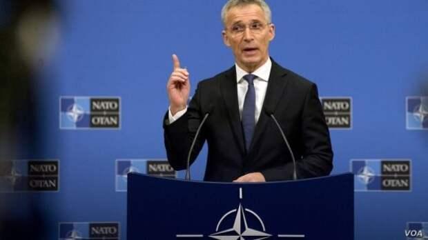 НАТО «уходит вкосмос», отказываясь называть Россию врагом