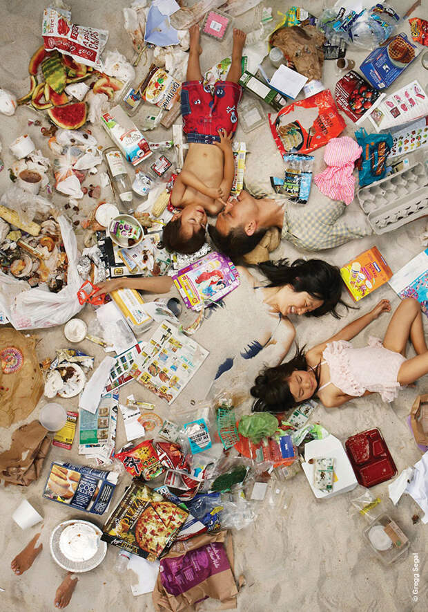 Сортировка отходов — психотерапия для бедных. Как корпорации заставили нас бесплатно делать их работу и почему раздельный сбор мусора бесполезен