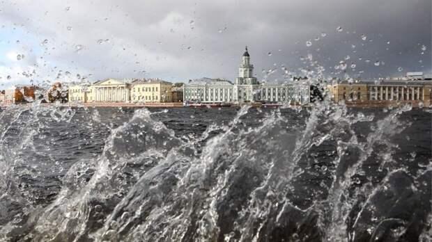 ВПетербурге иЛенобласти объявлено штормовое предупреждение
