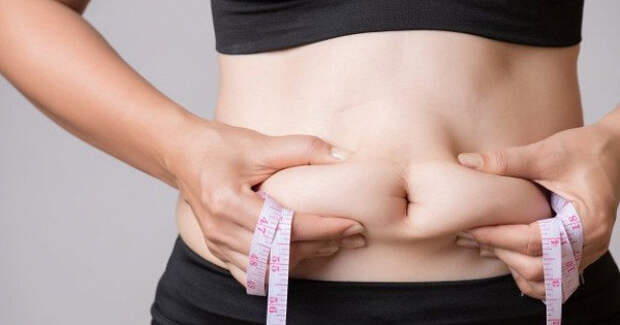 Фрукты иягоды, которые помогут избавиться отлишнего жира наживоте после 30лет